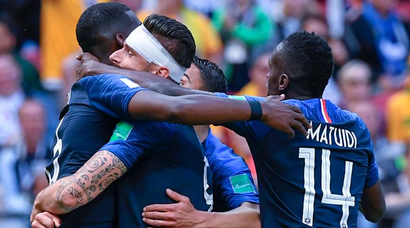 Сборная Франции обыгрывает Австралию со счетом 2:1